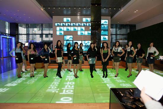 미시 S-Line Queen 선발대회 참여자들