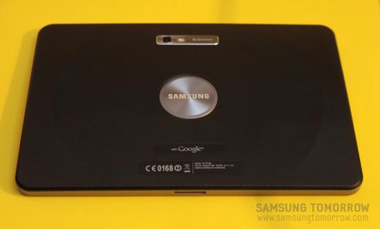 삼성전자 갤럭시탭10.1 뒷면