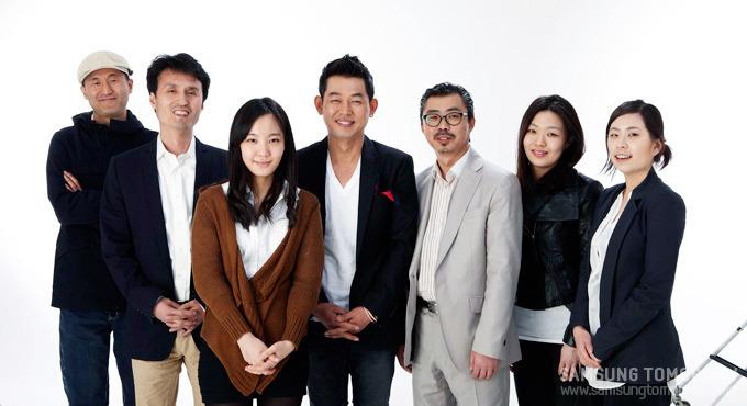 스토리텔러와 디자이너들의 단체사진