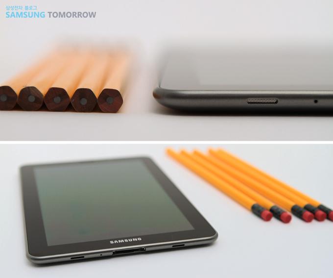 갤럭시탭 7.7과 연필 비교