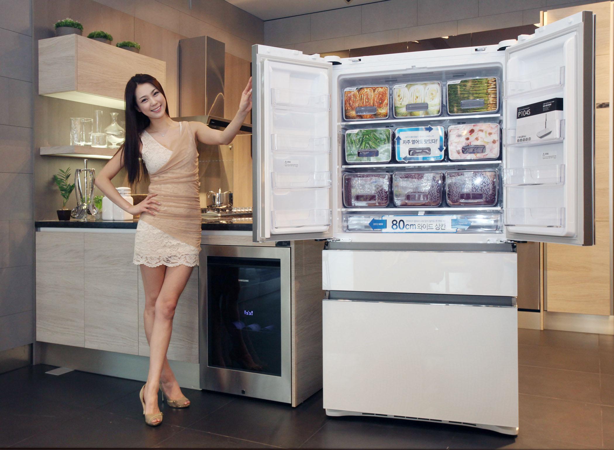 지펠 아삭 김치냉장고와 모델