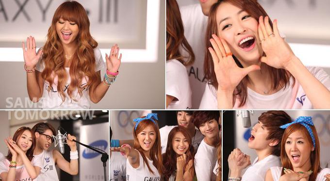 많은 아이돌 가수들이 즐겁게 촬영하고 있다