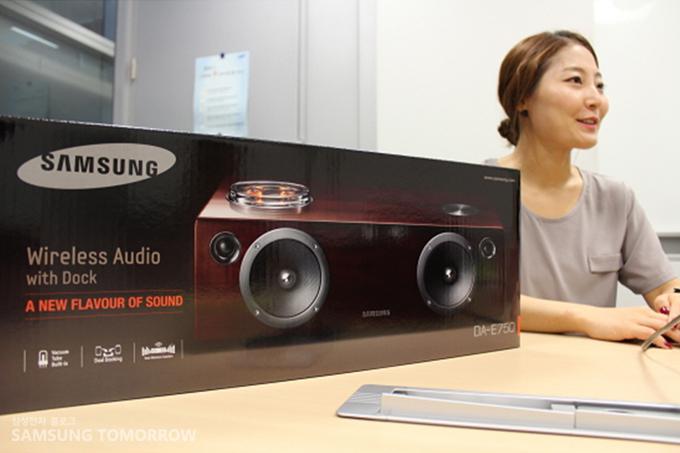 무선 도킹 오디오 시스템 'DA-E750'와 손지영 사원