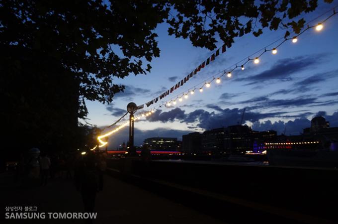 멀리보이는 런던 브릿지