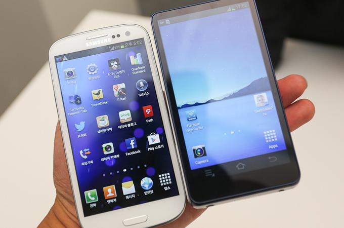 삼성 갤럭시 카메라와 갤럭시S3의 비교