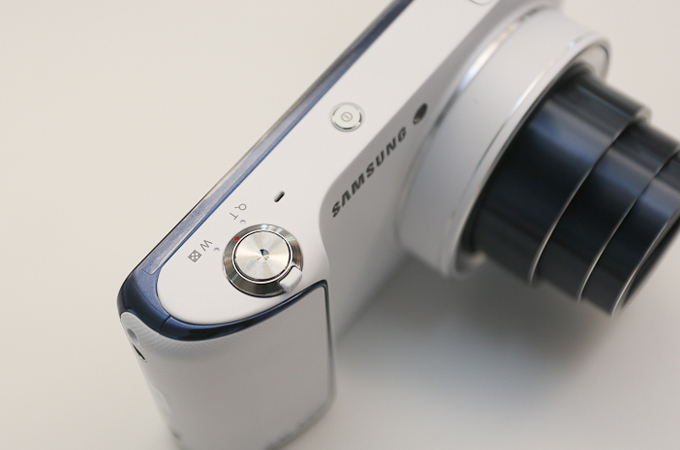 삼성 갤럭시 카메라의 그립부