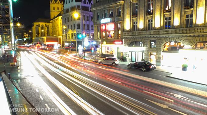 독일 쾰른 시내 도로의 모습