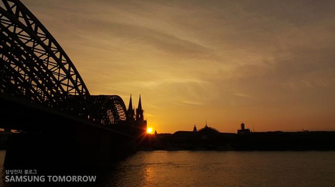독일 쾰른의 일몰사진