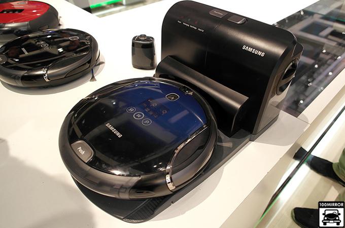 삼성 로봇 청소기와 어댑터 스테이션
