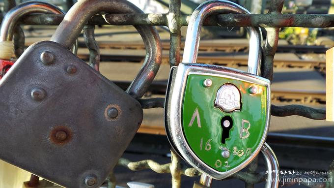 접사모드로 찍은 자물쇠