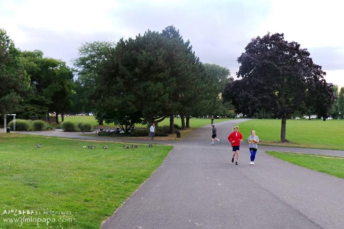 동작정지 모드로 찍은 공원