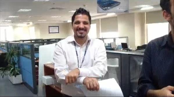 말춤을 추고 있는 삼성전자 중동 법인 직원