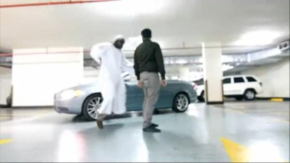 주차장에서 말춤을 추는 삼성전자 중동 법인 직원들