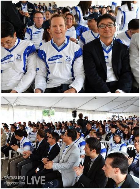 캐나다법인 25주년 행사에 참석한 직원들의 모습