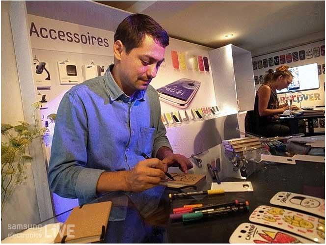 삼성전자 핸드폰 뒷면 케이스를 디자인하는 ART COVER 아티스트 Chanoir