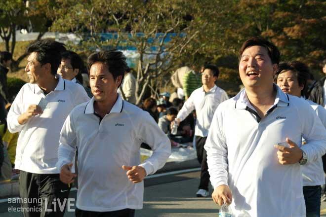 달리기를 하는 사람들