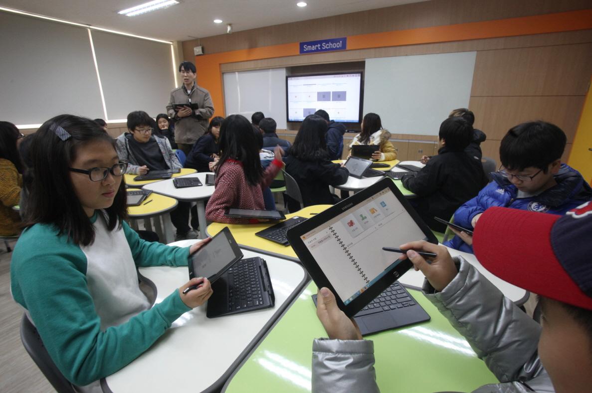 윈도우 8로 수업하는 아이들