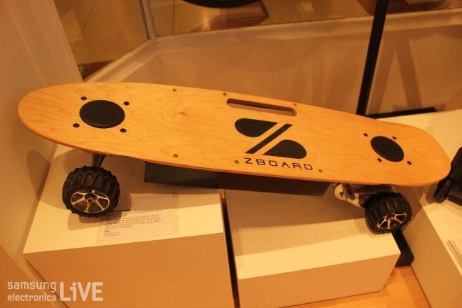 풀배터리 장착의 일렉트로닉 스케이트보드 ZBOARD PRO