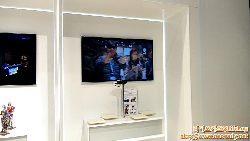 NX300카메라로 만든 3D 이미지가 스마트TV에 출력된 모습