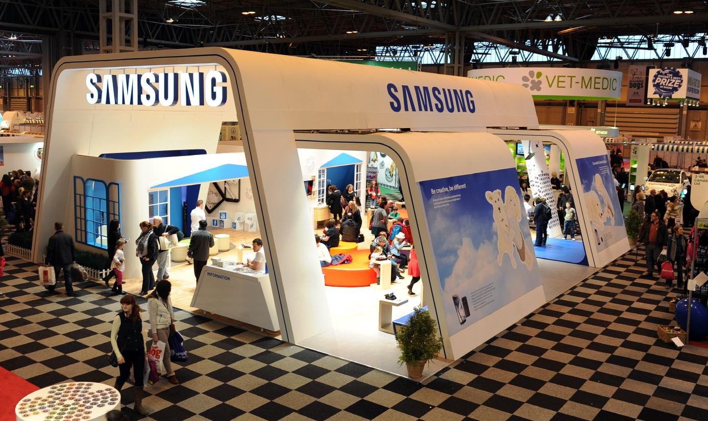 세계 최대 명견 경연대회 '크러프츠 2013' 행사장 내 삼성전자 제품 전시 부스