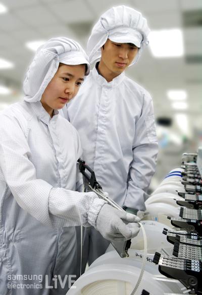 SSD에 탑재된 반도체의 기능적인 측면을 바탕으로 이루어지는 특성검사