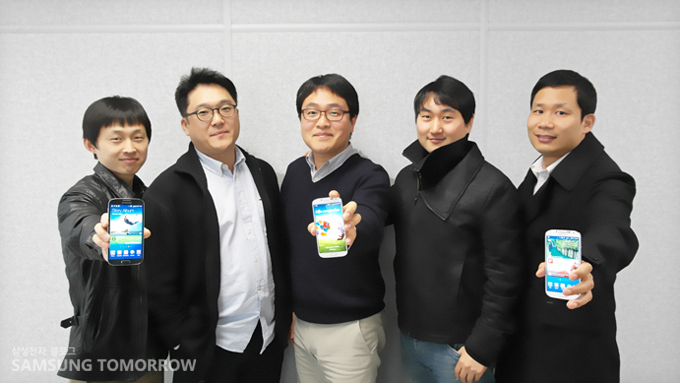 무선사업부 상품전락팀 민선영 과장, 이상현 과장, 강민석 차장, 정재욱 대리, 김남회 과장