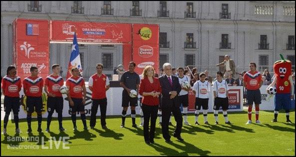 La Moneda, 길거리 축구 공식 오프닝