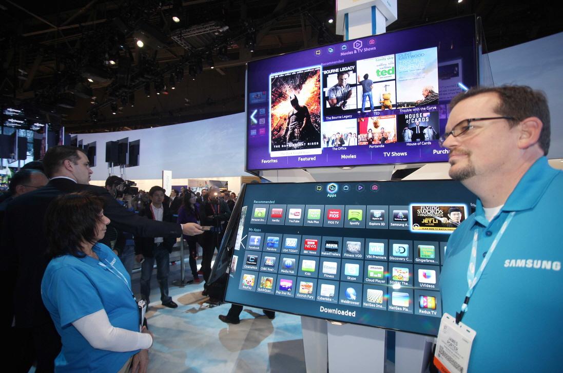 지난 1월 미국 라스베이거스에서 열린 세계 최대 가전박람회 CES2013에 선보인 삼성 스마트TV입니다.