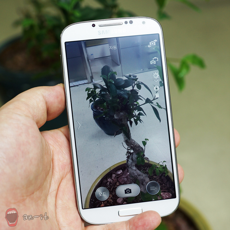 스마트폰으로 촬영한 사진을 실시간으로 인쇄할 수도 있습니다.