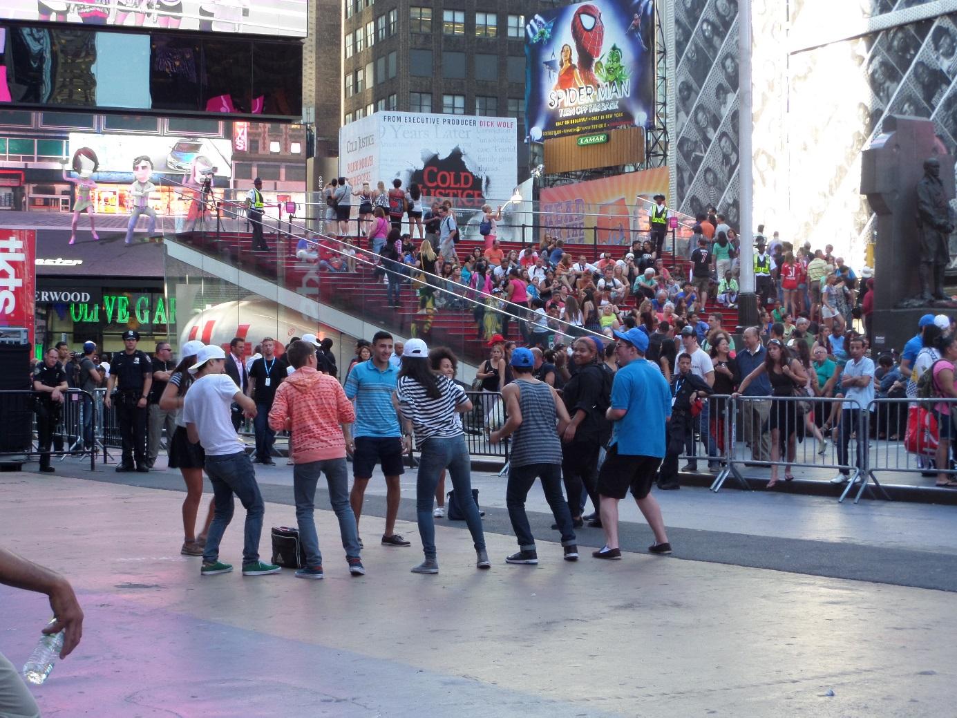 삼성 언팩 뉴욕 생중계 모습입니다.