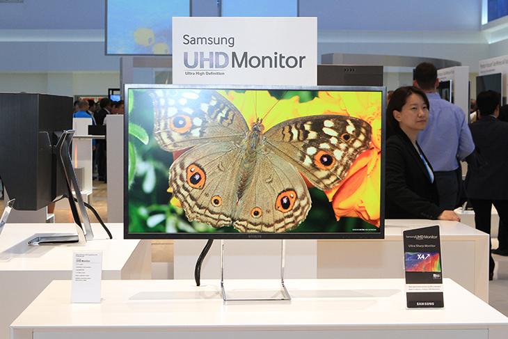 IFA 2013 부스에 전시된 삼성 UHD 모니터입니다.