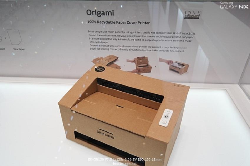 IFA2013에 전시된 삼성전자 오리가미 프린터입니다.