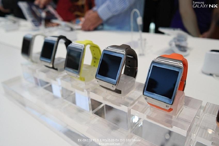 IFA2013에 전시된 삼성전자 갤럭시 기어입니다.