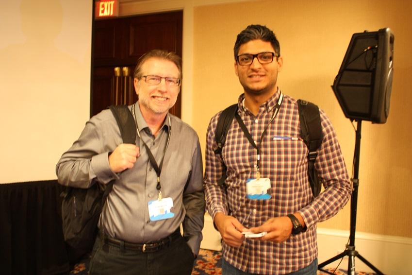 강연자 Mike Darnell(좌)과 세션 참가자 Zaheen Somai(우)의 모습입니다.
