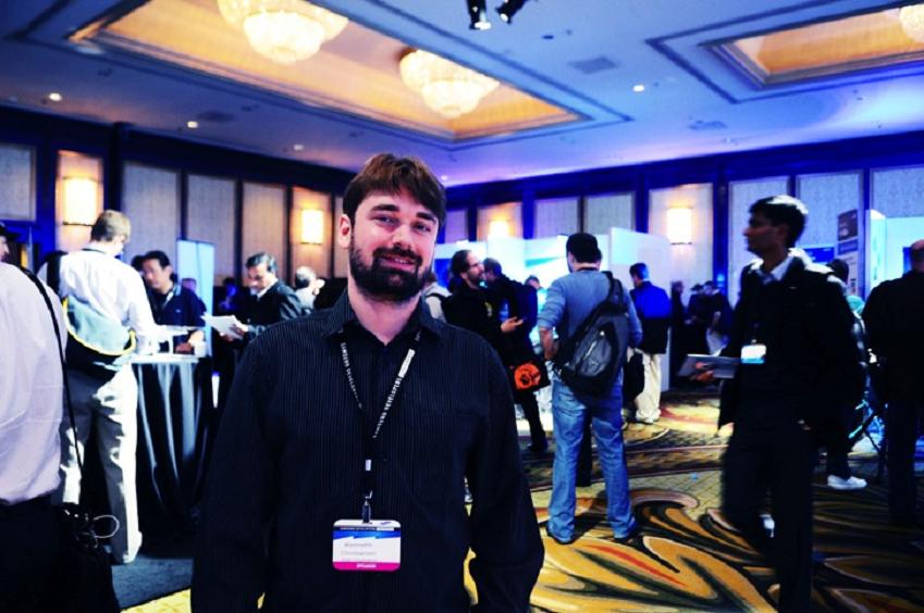 인텔 덴마크 (Intel Corporation) 웹 개발자 Kenneth Christiansen 모습입니다.