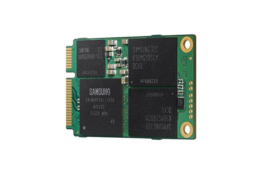 1테라바이트(TB) 미니(mSATA) SSD (Solid State Drive) 제품 사진입니다.