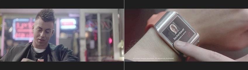 엘 샤라위 선수가 헤어스타일을 다듬던 도중 베켄바워에게 걸려온 전화를 갤럭시 기어로 받고 있습니다.