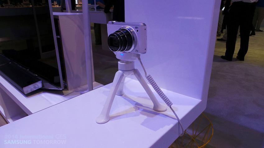 집 안에 설치된 디지털 카메라 이미지입니다.