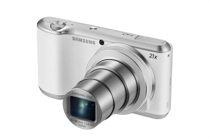 갤럭시 카메라 2 화이트 모델의 전면 이미지입니다.