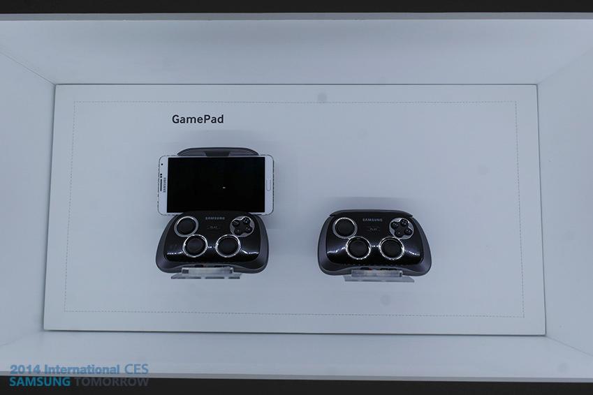 삼성 무선 게임 패드 이미지입니다.