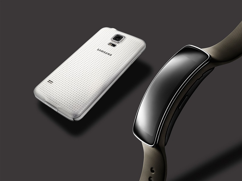포스팅_Glam_Gear-Fit,-Galaxy-S5-White