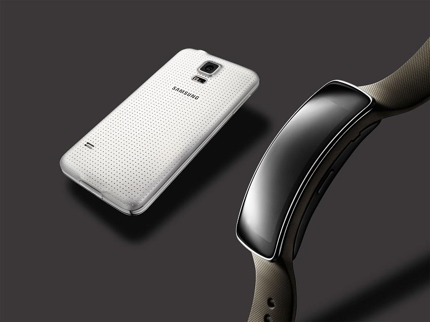 포스팅_Glam_Gear-Fit,-Galaxy-S5-White