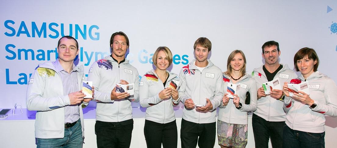 삼성전자가 10월 22일(현지시간) 러시아 모스크바 파쉬코프 하우스에서 소치 동계 올림픽을 100여일 앞두고 '삼성 스마트 올림픽(Smart Olympic Games Initiative)' 발표회를 가졌습니다. 삼성 갤럭시 팀 선수 요지프 페냑(우크라이나),   알렉스 풀린(호주), 막달레나 노이너(독일), 빌리 모르건(영국), 류드밀라 프리피프코바(러시아), 아르민 죄겔러    (이탈리아), 카타르지나 바칠레다 쿠르스(폴란드)가 올림픽 공식 폰 갤럭시 노트3를 선보이고 있습니다.