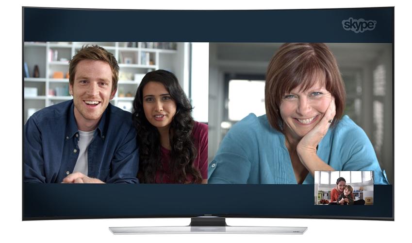 스카이프의 업그레이드된 기능을 통해 다자간 영상통화를 즐기는 모습입니다.