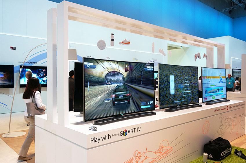 다양한 게임이 삼성 스마트 TV를 통해 시연되고 있습니다.