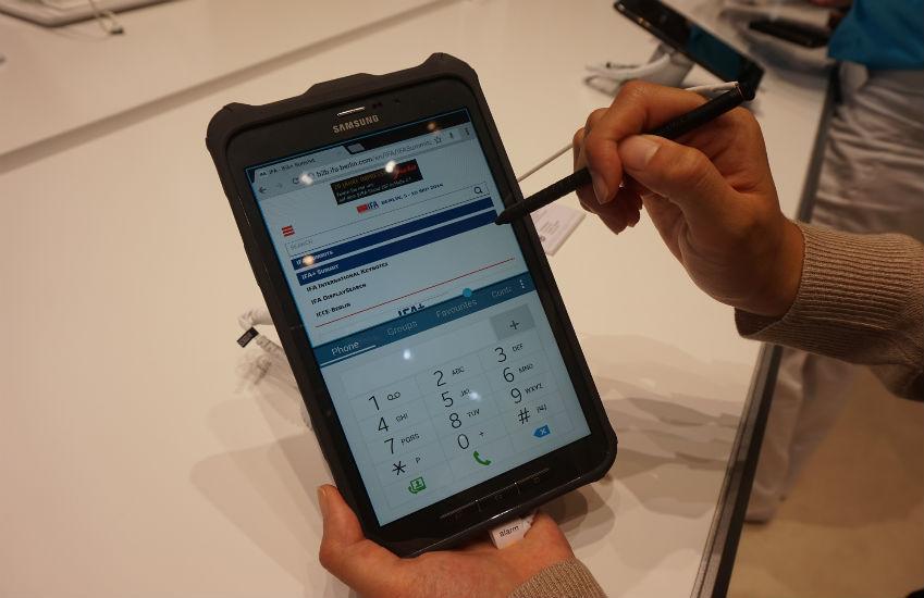 일의 효율성을 증진시켜줄 삼성 갤럭시 탭 액티브의 멀티태스킹 기능입니다.