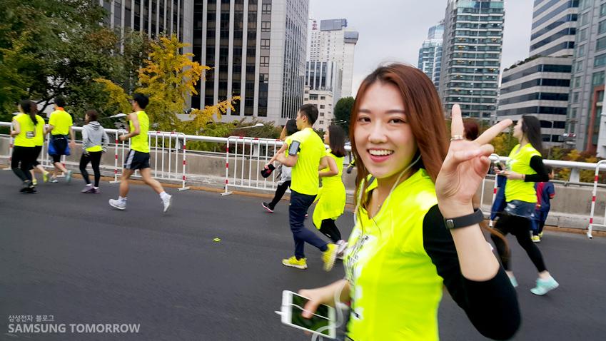 한솔 학생이 달리고 있습니다.