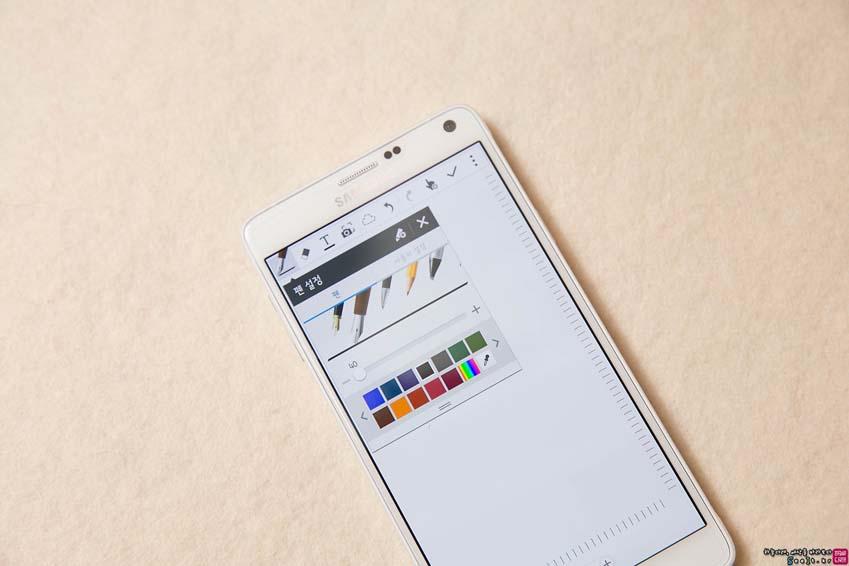갤럭시 노트4 S메모 펜 기능 설정하는 모습