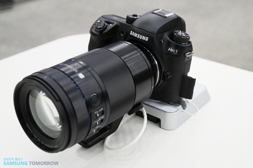 NX1 카메라 전체 모습