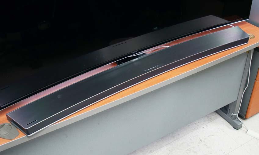 선 없이 깔끔한 삼성 커브드 사운드바